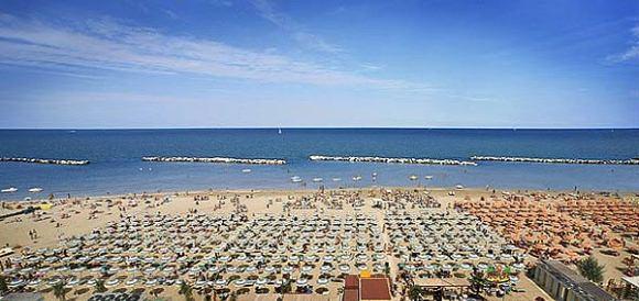 Matrimonio Spiaggia Emilia Romagna : Riviera romagnola arriva la tecnospiaggia di telecom