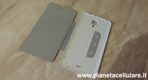 Cover Folio Wiko Bloom interno
