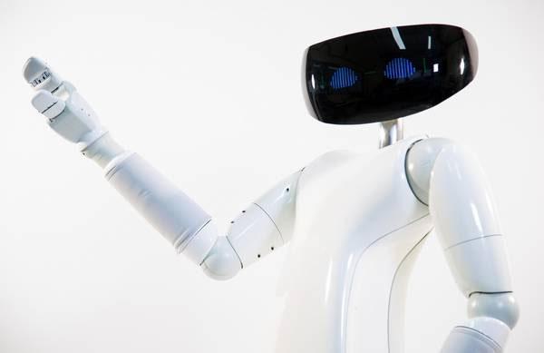 Robot R1: Uscita e Caratteristiche