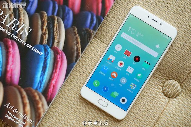 Smartphone: mercato piatto nel 2016