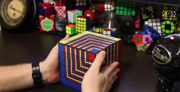 7 ore per risolvere il piu' grande Cubo di Rubik