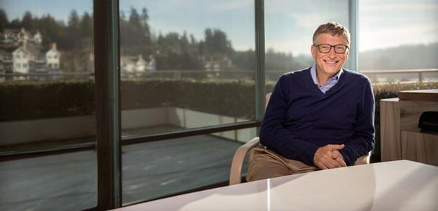 Bill Gates: Bisogna controllare l' Intelligenza artificiale