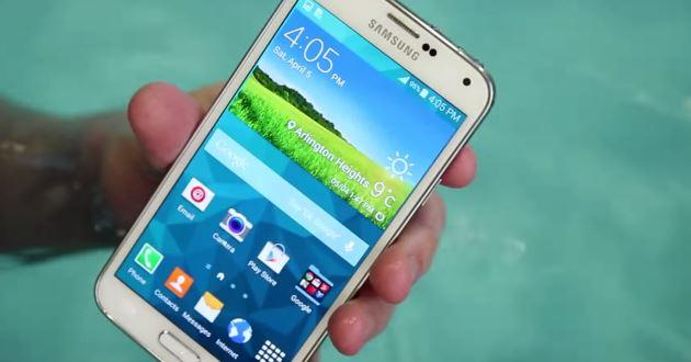 Galaxy S5: super test di resistenza all'acqua [VIDEO]