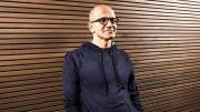 Foto Microsoft lavora sul 'dispositivo mobile finale' rivela il CEO Satya Nadella