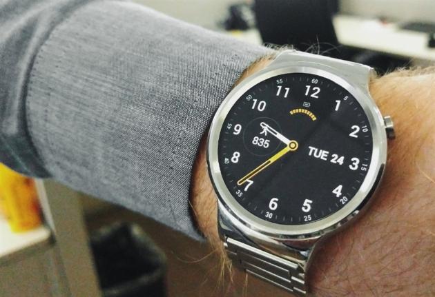 Huawei Watch riceve il primo aggiornamento
