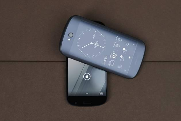 Yotaphone 2, doppio display Amoled Full HD e eInk