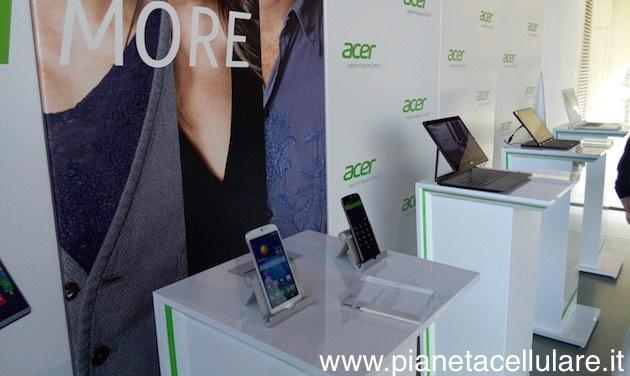 Acer Liquid Jade S video anteprima dalla presentazione Italiana