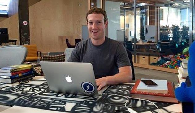 Facebook, Zuckenberg chatta con gli utenti su Net neutrality e Oculus VR