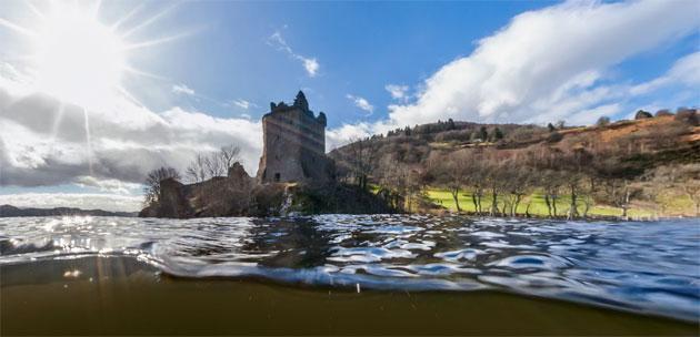 Google mappa il lago Loch Ness a caccia del mostro