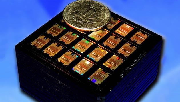 IBM, chip fotonici per scambiare dati alla Velocita' della Luce