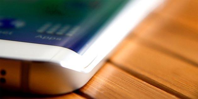 Samsung, atteso nuovo telefono curvo prima di Galaxy Note 5 Edge