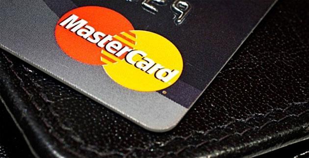 MasterCard, i clienti pagheranno con un selfie