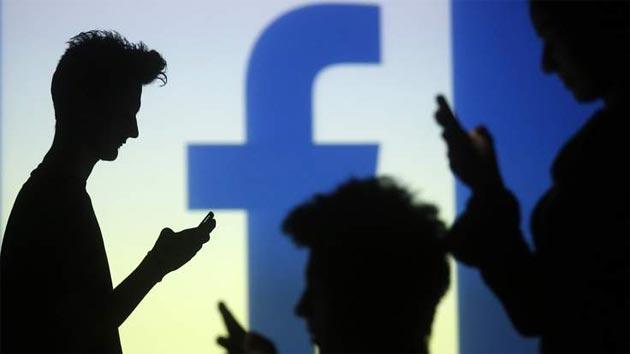 Foto Whatsapp, Facebook sospende raccolta dati utenti in Europa