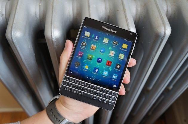 BlackBerry Passport in video con Android Lollipop