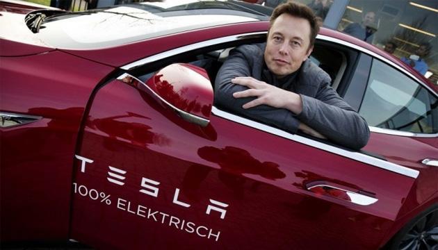 Tesla non teme Apple, Elon Musk parla di Apple Car