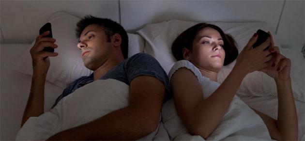 Tablet e Smartphone prima di dormire fanno perdere il sonno