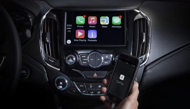 Ford e Fiat Chrysler con Apple CarPlay e Android Auto