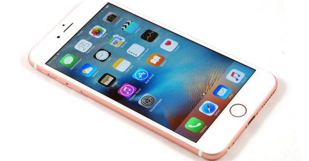 Sono iPhone 2 su 5 smartphone attivati durante le feste di Natale 2016