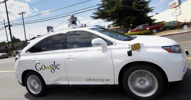 Google spiega il primo incidente causato dalla Google Car