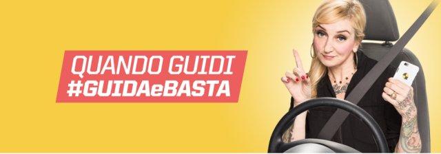 #GuidaeBasta, campagna contro uso di cellulare in auto