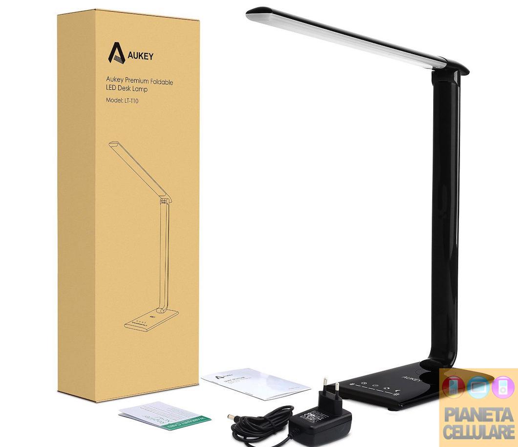 Recensione lampada da tavolo con USB Aukey LT-T10