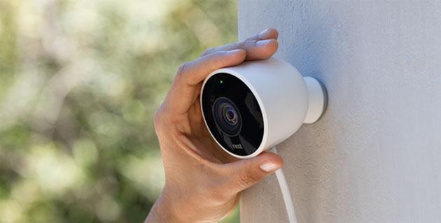 Nest Cam Outdoor, fotocamera da esterno completa