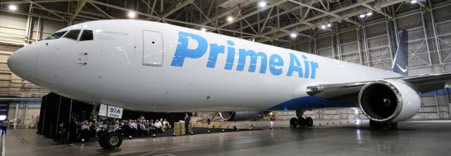 Amazon Prime Air:  Svelato il primo Boeing Cargo 767-300 con livrea Amazon