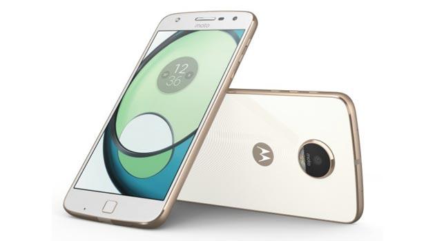 Moto Z Play, terzo telefono Lenovo con design modulare con Hasselblad True Zoom