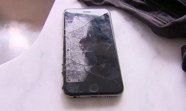 Ciclista cade e iPhone prende fuoco in tasca provocando ustioni