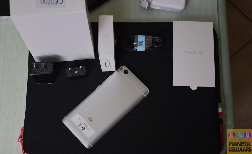 Unboxing Xiaomi Mi 5S, il nuovo Top di gamma compatto