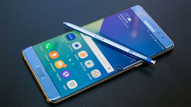 Sondaggio: 2 su 5 proprietari di un telefono Samsung non compreranno ancora Samsung