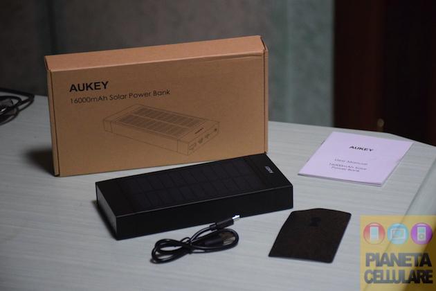 Recensione Power Bank 16000 mAh con pannello solare e ricarica rapida Aukey