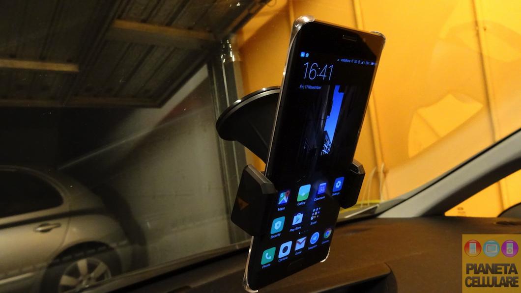 Recensione supporto auto universale per Smartphone Aukey