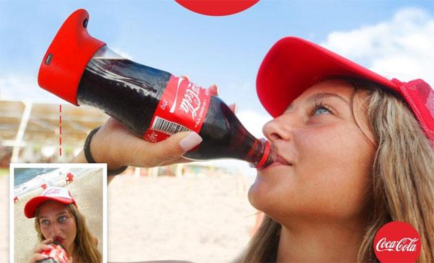 Coca-Cola inventa la bottiglia per selfie
