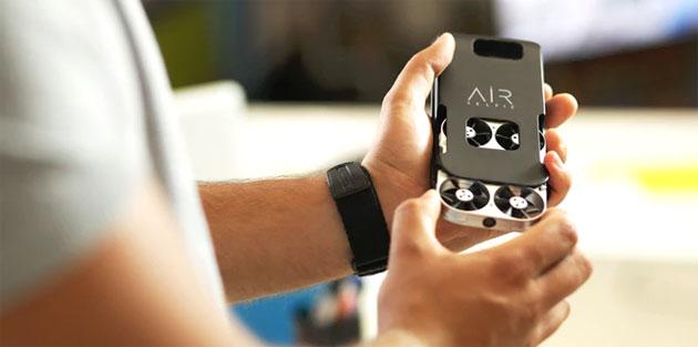 AirSelfie, piccolo drone che si sposta col telefono