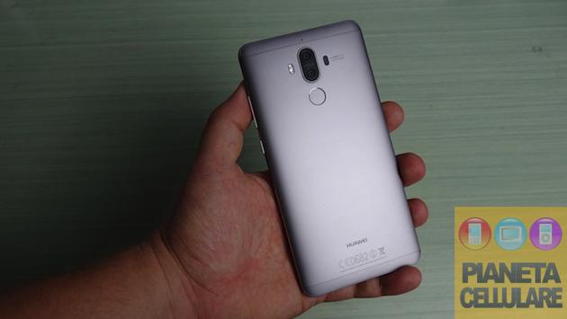 Huawei Mate 9 si aggiorna con Zoom 9X e patch di sicurezza