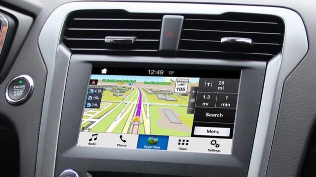 Ford SYNC 3 con AppLink, mirroring delle app su smartphone al touchscreen di bordo