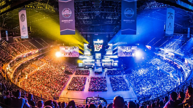 Twitter, in diretta streaming 1500 ore di eSport