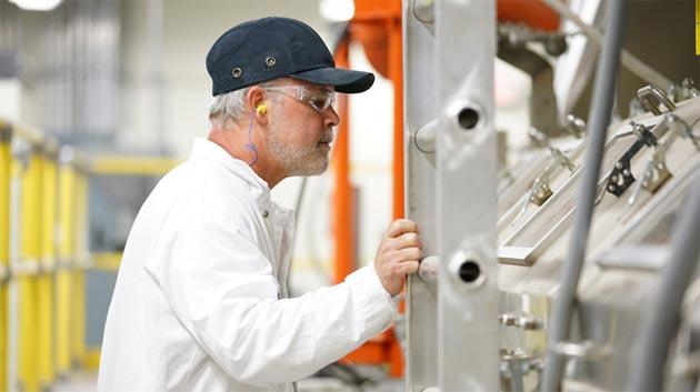 Apple investe 200 milioni di dollari in Corning, produttore di vetro per smartphone