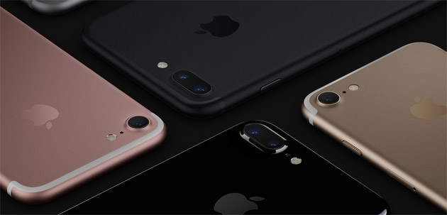 Foto Apple iPhone con tripla fotocamera dal 2019