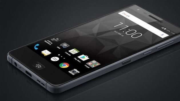 Foto BlackBerry Motion, smartphone Android fulltouch in Europa da 469 euro