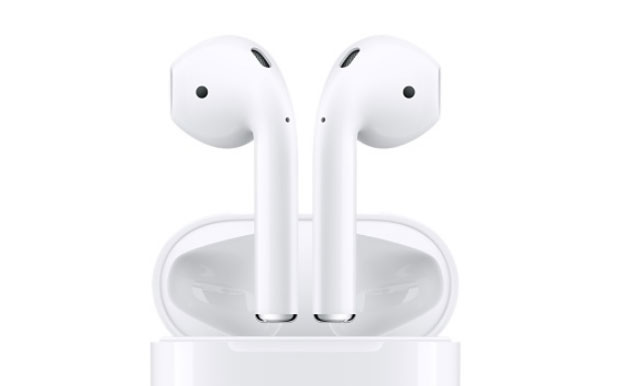 Foto Apple AirPods 2 con design invariato, Bluetooth 5 e ricarica wireless arrivano in Primavera?