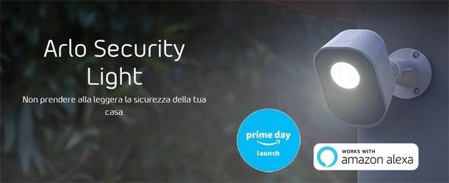 Foto Arlo Security Light, luce LED intelligente senza fili