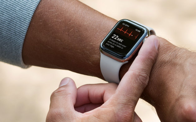 Foto La funzione ECG su Apple Watch Series 4 arriva con Watch OS 5.1.2 negli USA, non in Italia