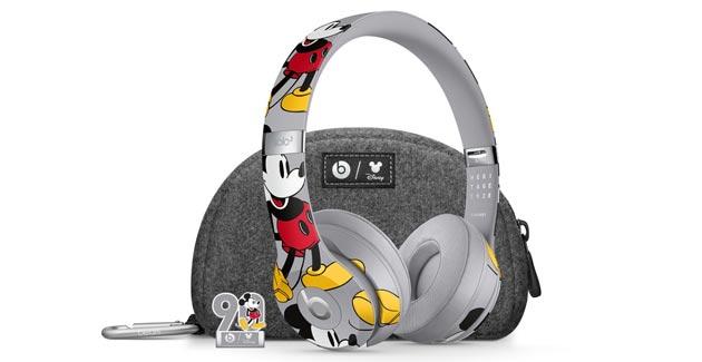 Apple presenta le cuffie Beats Solo3 Wireless Edizione 90o anniversario di Topolino