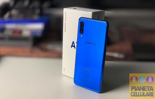 Recensione Samsung Galaxy A7 2018, tripla fotocamera anche per la fascia media