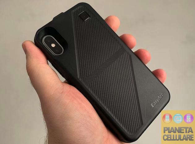 Recensione cover con batteria e ricarica wireless EasyAcc per iPhone X ed XS