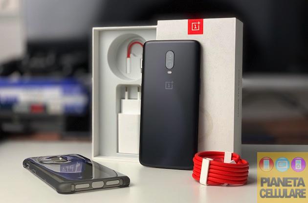 Recensione OnePlus 6T, cambia poco migliorando molto