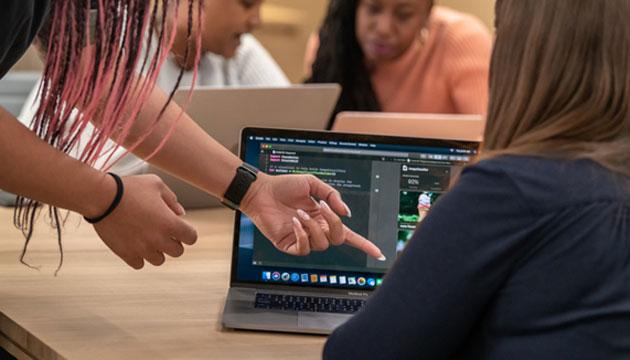 Apple Entrepreneur Camp, programma per sviluppo di app a sostegno delle donne imprenditrici