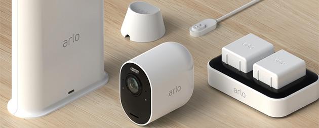 Arlo Ultra in Italia: videocamera di sicurezza senza fili 4K Ultra HD HDR con luce LED, visione a 180 gradi e doppio microfono a cancellazione del rumore